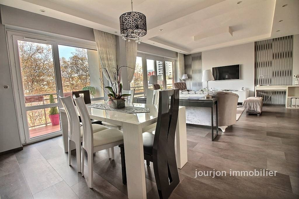 saint tienne vente appartement 6 pi ces 125m2 249 000 r f 1084 jourjon immobilier. Black Bedroom Furniture Sets. Home Design Ideas